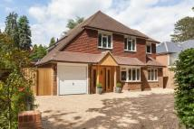 5 bedroom Detached property in Littleheath Lane, Cobham...