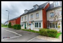 4 bed Terraced house for sale in Clos LLewellyn...