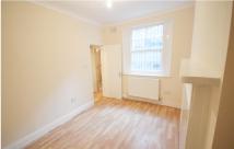 Studio apartment in 35, Swinton Place...