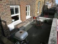 Flat to rent in Chapel Market, London, N1