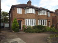 3 bed semi detached home to rent in Linkside, London, N12