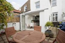Flat to rent in Canning Road, Highbury...