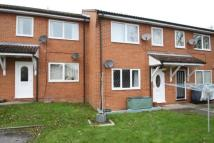 Flat to rent in Eaton Avenue...