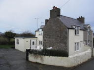 3 bed semi detached property in Llain Delyn, Penrhos