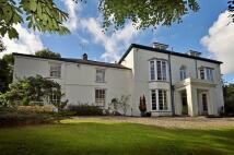 Manor House in Ffordd Telford...