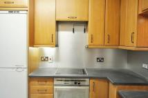 Flat to rent in Warwick Way