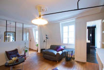 Flat to rent in Powis Square