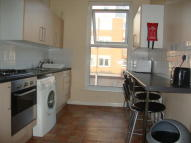 Flat to rent in Malden Road...