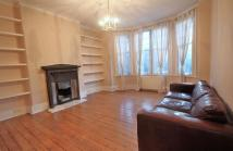 3 bed Flat in Upper Clapton Road...