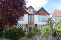 property to rent in Avenue South, Surbiton KT5 8PJ