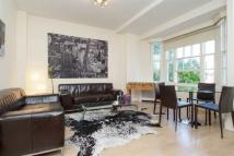 3 bed Flat in Queensway, Bayswater...