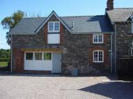 2 bed semi detached house to rent in Raglan