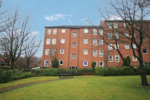 Flat in Flat 25, 14 Linden Way...