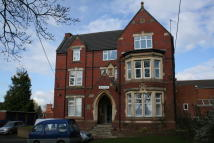 Studio flat to rent in East Road, Bromsgrove...