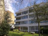 Flat to rent in Woodford Road...