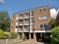 2 bed Flat to rent in Mablin Lodge...