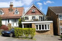3 bed semi detached property in Shaftesbury, Loughton...