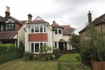 4 bed Detached house in Monkhams Avenue...