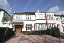 Kings Avenue semi detached house to rent