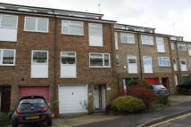 Town House to rent in Ashdon Close...