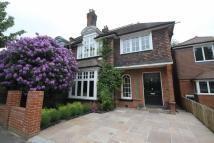4 bed semi detached property to rent in Barclay Oval...