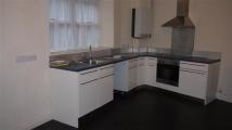 Flat to rent in Reins Terrrace, Honley...