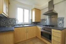 2 bed Flat in Links Road, London W3