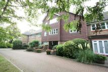 Flat to rent in Pinner