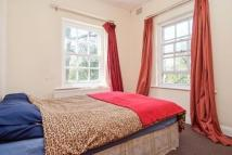 Flat for sale in Brigstock Road...