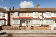 3 bedroom End of Terrace house for sale in Heyford Road, Mitcham CR4