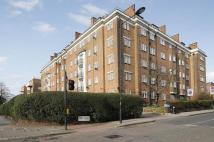 4 bed Flat to rent in Shoot Up Hill, London NW2