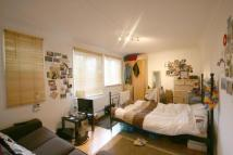 Flat to rent in Weedington Road...