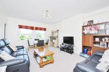 Flat to rent in Christchurch Avenue...