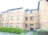 Flat to rent in Westfield Close, Enfield