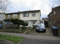 3 bedroom semi detached house to rent in Lonsdale Drive, Enfield
