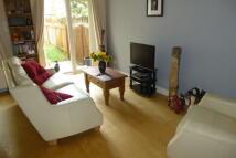 3 bedroom semi detached home to rent in Meadow Walk...