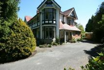 6 bed semi detached house in COLWYN BAY