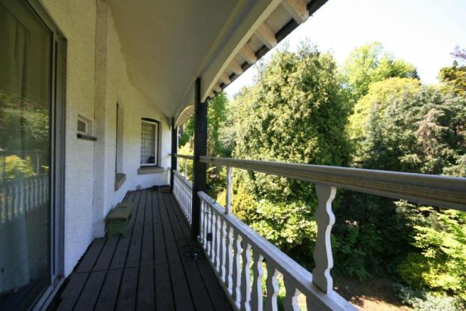 Balcony Decking off