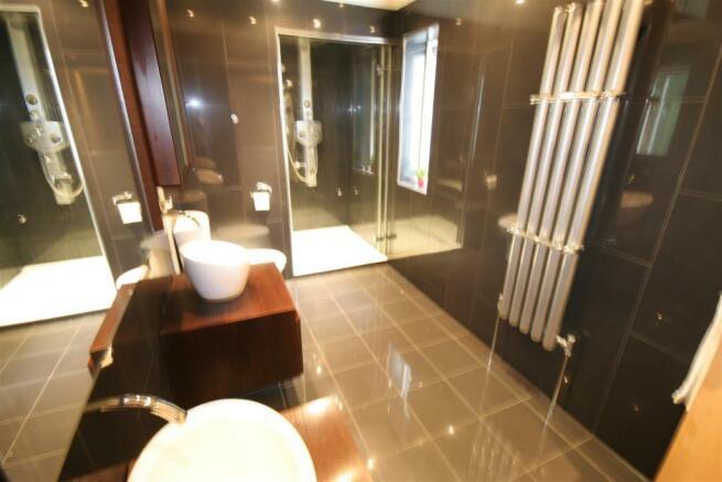 En Suite Shower Steam Room