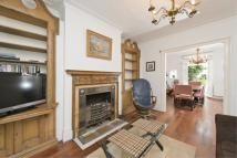 2 bed Flat to rent in Rowan Road...