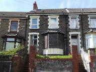 3 bed Terraced property in Park Street...