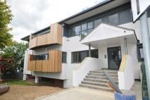 Apartment to rent in Gate 2 Horsham Gates...