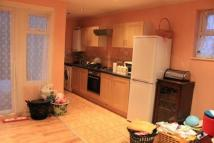 3 bedroom Terraced house in Tomswood Hill,  Ilford...