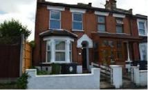 Flat to rent in Primrose Road,  London...