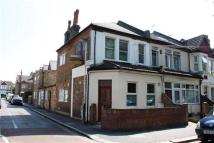 1 bed Flat to rent in Grosvenor Road,  London...
