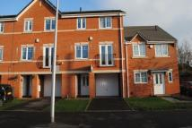 4 bed Town House to rent in Meyrick Road...