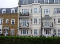 Flat to rent in Goodwood Court...