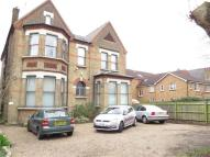 2 bedroom Flat in Lawrie Park Road...