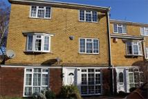 Town House for sale in Lonsdale Drive, Rainham