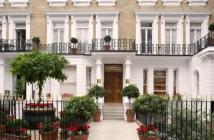 Flat to rent in Beaufort Gardens, London...